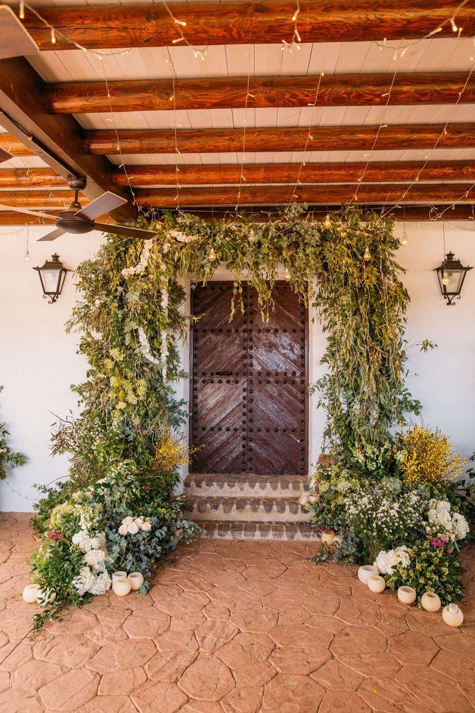 decoración floral arcos entrada